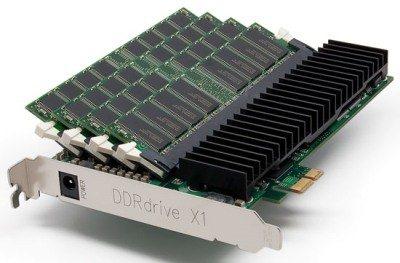 DDRDrive X1 : un SSD hors norme à base de DDR et de mémoire flash