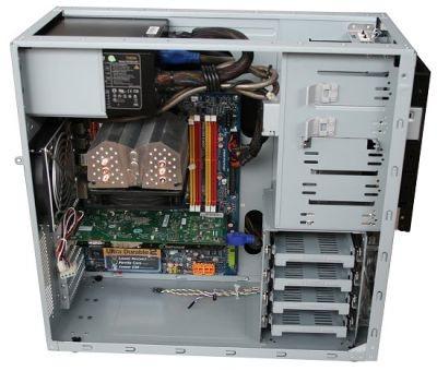 TT-Hardware examine le boitier LanCool PC-K6