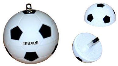 Maxell : une clé usb spéciale Coup du Monde