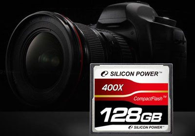 Une carte Compact Flash 400x de 128Go