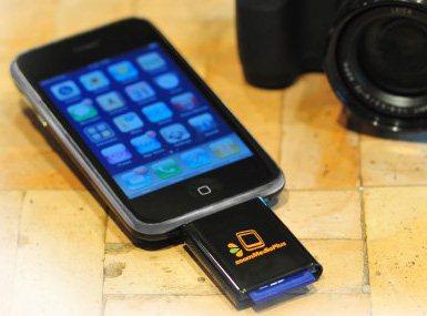 Un lecteur de carte mémoire SD pour iPhone