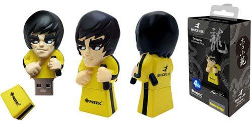 Plusieurs séries de clés usb à l'effigie de Bruce Lee