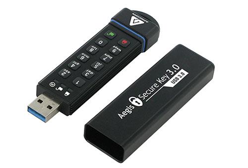 Une clé USB 3.0 de 480 Go sécurisée comme un coffre fort