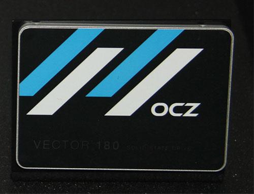CES 2015 : OCZ expose le SSD Vector 180