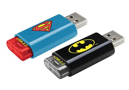 Les fans de Superman et Batman ont maintenant leurs clés usb