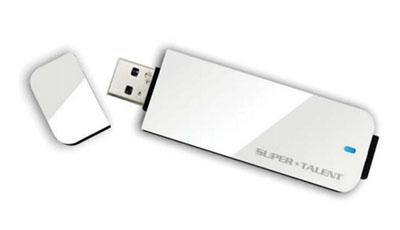 Express RC4 : une clé USB 3.0 de 256 Go qui débite du 320 Mo/s chez SuperTalent