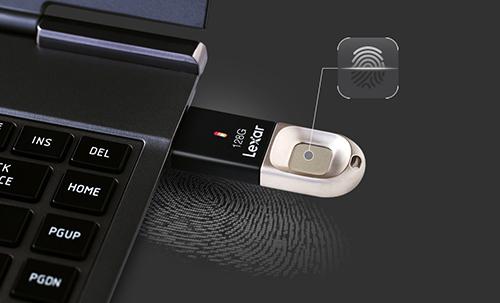 Lexar JumpDrive F35 : vos données accessibles du bout des doigts …