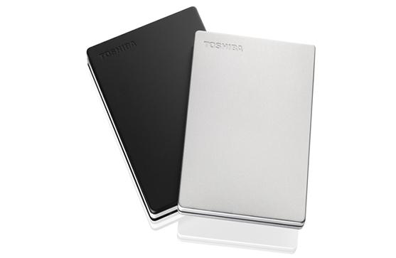 Toshiba présente les disques durs Canvio Slim de 1 et 2 To