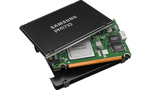 Samsung PM1733 : un SSD en PCI Express 4.0 ultra performant pour les datacenters