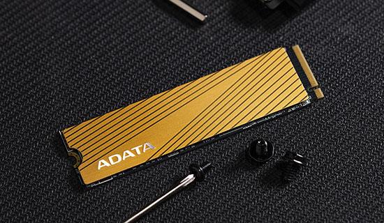 ADATA dégaine une nouvelle gamme de SSD M.2. : les Falcon de 256 Go à 2 To